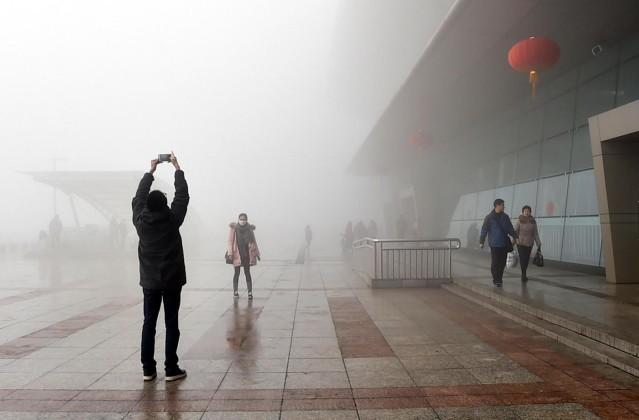 Fitta-nebbia-in-Cina-le-città-diventate-invisibili-1-639x420